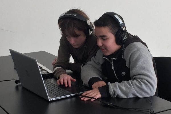 Kopie van Mounir en Arda jeugd en muziek